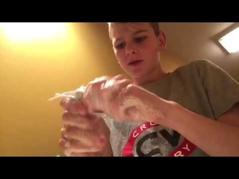 Shoelace cleaning