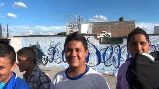 Barra Dementes apoyan al Celaya F.C. con mega Graffiti.