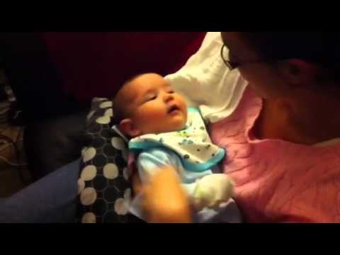 Baby laugh Tomi 16