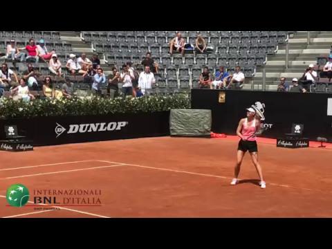 Maria Sharapova si allena sul centrale degli #ibi17
