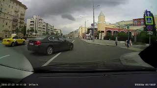 Смотреть видео ДТП  22.07.2018 Москва, жестко подрезал онлайн