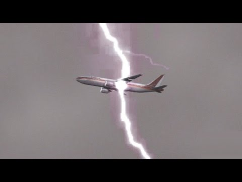 LIGHTNING STRUCK MY AIRPLANE!