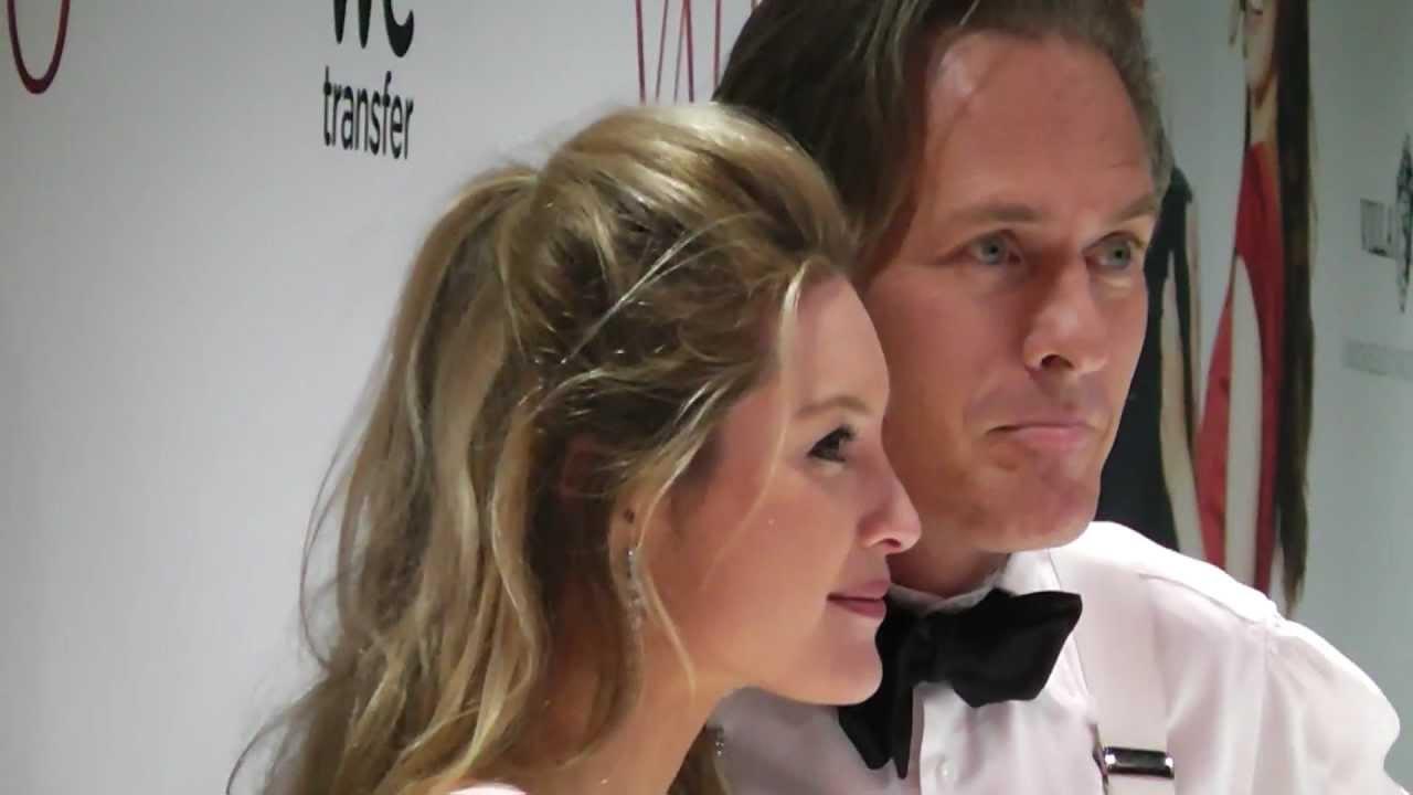 Vriendin Jort Kelder : Filmpremiere valentino de rode loper jort kelder met vriendin