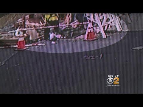 Manhole Explodes In East Harlem