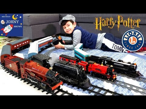 Johny Unboxes New Lionel Hogwarts Express Train Toy | Hogwarts Express Crashes With Polar Express