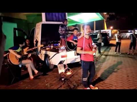 Naff - Terendap Laraku Cover By Octave (Stadion Jombang)
