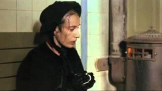 PASSIONE D'AMORE -Fosca e Giorgio alla stazione del treno-. Regia di Ettore Scola (1981)