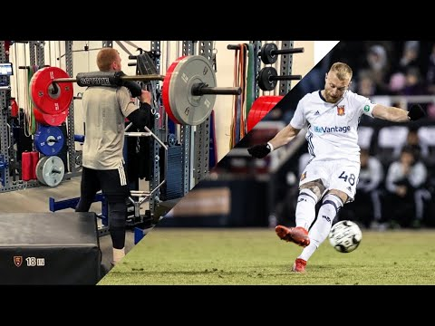 A Professional Footballer's Leg Workout | Building Strength In Pre Season