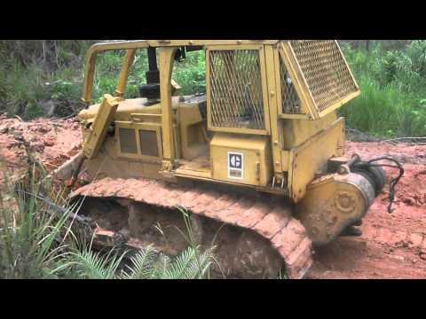 Caterpillar D6D bulldozing in fiji