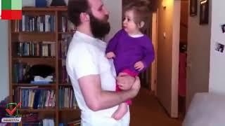 ردة فعل طفلة صغيرة بعدما حلق أبوها لحيته مشهد صادم للغاية