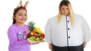 Öykü teaches mommy to eat and exercise properly - funny kids