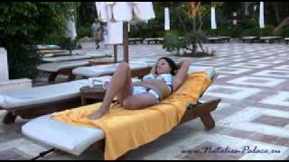 Repeat youtube video A sunny poolday with amputee Natalie
