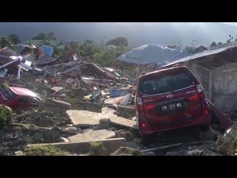 Индонезия не справляется с ликвидацией последствий землетрясения и цунами