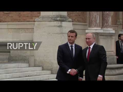 France: Putin received by Macron at the Palace of Versailles