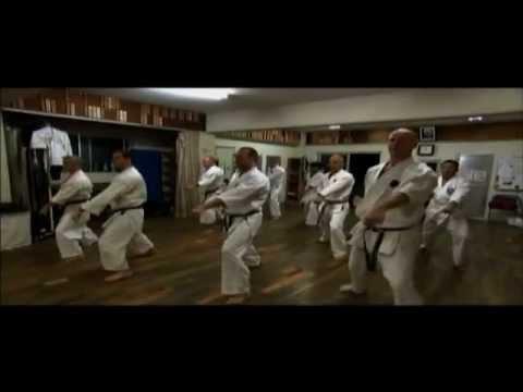 Majalah 3 - Okinawa, Bumi Karate (2012)