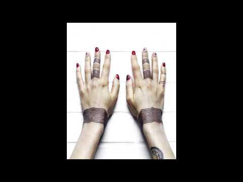 [50 Фото] Татуировка Браслет на Руке: цветы, узоры, надпись, космос