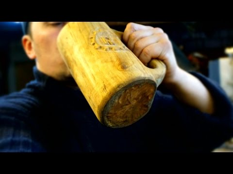 а simple way to make a mug made of wood
