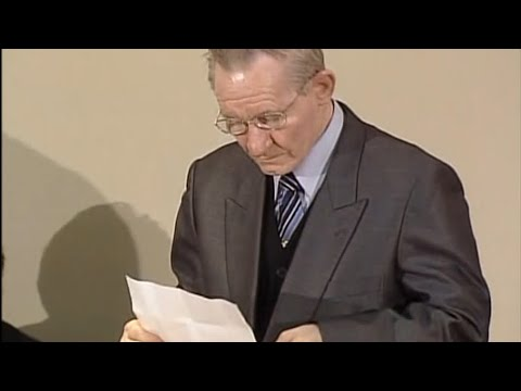 Charles Jenkins, who defected to North Korea, speaks after his release in 2004