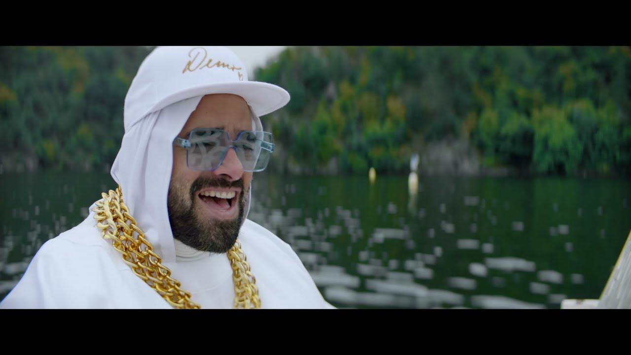 Download KAPITÁN DEMO - PUDEME DOMŮ A BUDEME NĚKOHO POMLOUVAT ft. DALIBOR  JANDA (official video)