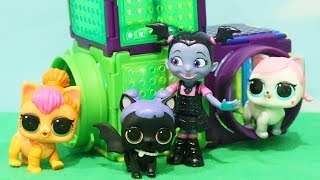 LOL Pets - Vampirina Finds Midnight's Dog - Family Fun Pretend Baby Doll Play With Toys and Dolls