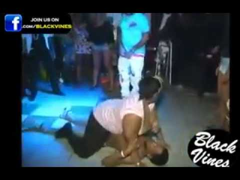 Mujer gorda aplasta a hombre - 2 part 7
