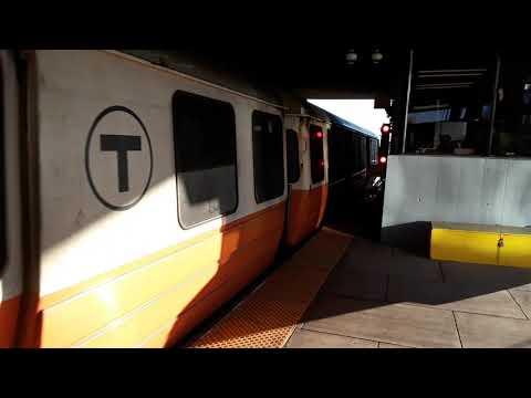 Boston MBTA Orange Line train arriving at Wellington Station ( Dec 24, 2019 )