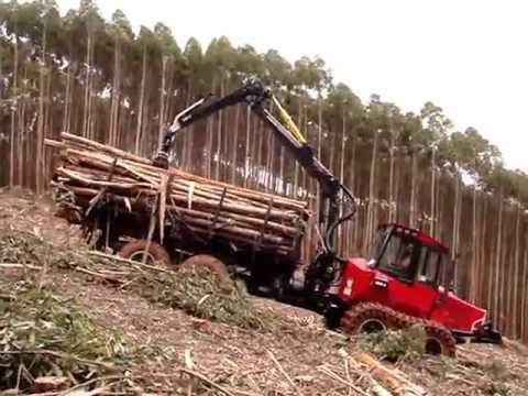 Forwarder Komatsu 860.4 with Cable on Steep Slope Application - Cenibra - Brazil