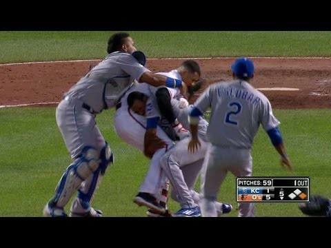 KC@BAL: Benches clear after Machado's hit-by-pitch