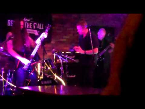 Reckless - Gimme All Your Loving (cover)  - Behind The Wall Falkirk - May 2015.