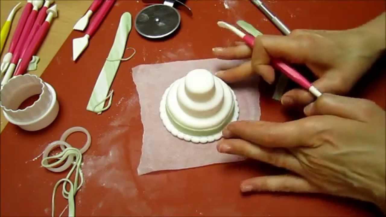 Segnaposto Matrimonio Pasta Di Zucchero.Realizzare Una Mini Wedding Cake Con La Pasta Di Zucchero Youtube