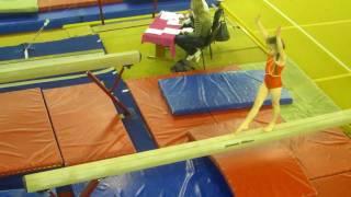 Аня, спортивная гимнастика, бревно (20.12.2011)
