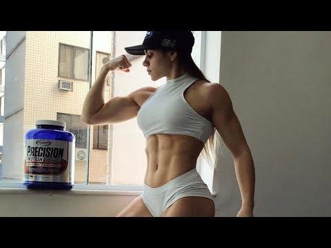 Hot muscle girl