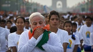 Did PM Modi Insult National Flag On Yoga Day ?