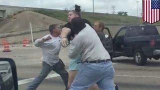 Video capta pelea entre 4 personas de Houston en un caso de ira al volante extremo thumbnail
