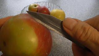 чем покрывают яблоки ?.Что же это на яблоках? Как их кушать?
