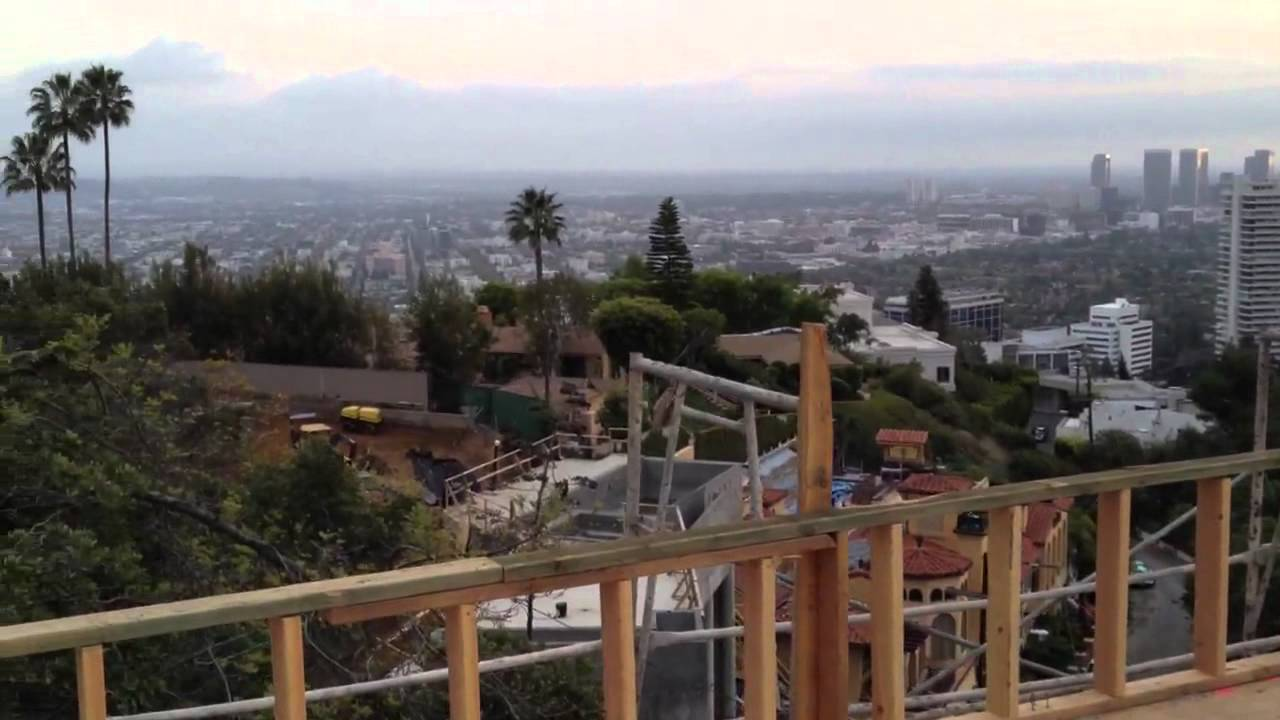 Hollywood hills celebrity home youtube for Celebrities that live in hollywood hills