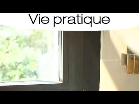 comment nettoyer une fen tre en pvc youtube. Black Bedroom Furniture Sets. Home Design Ideas