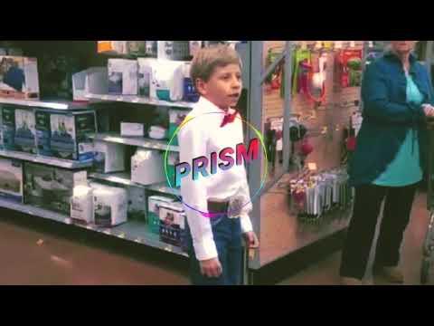 Remix bambino cantando nel supermercato
