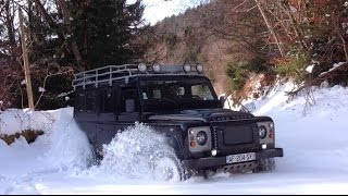 Land Rover Defender deep snow climb La Forclaz Savoie jan 2015