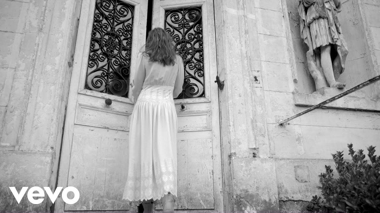 Carla Bruni - J'Arrive A Toi