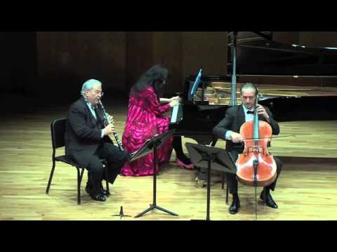 "Beethoven: Trio in B-Flat Major, op. 11 III. Tema con variazioni (on ""Pria ch'io l'impegno"")"