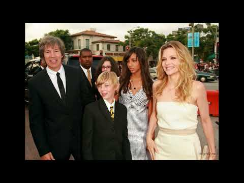 actress michelle pfeiffer and husband David E  Kelley and Children