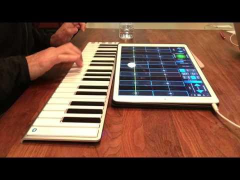 Jordan Rudess plays with CME Xkey Air37
