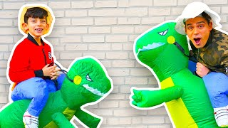 Jason and Alex walk in Dinosaur Park & Funny Cases together