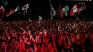 Repeat youtube video Blur - Song 2 - Live Glastonbury