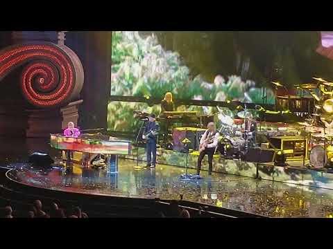 Elton John: The Million Dollar Piano Circle Of Life