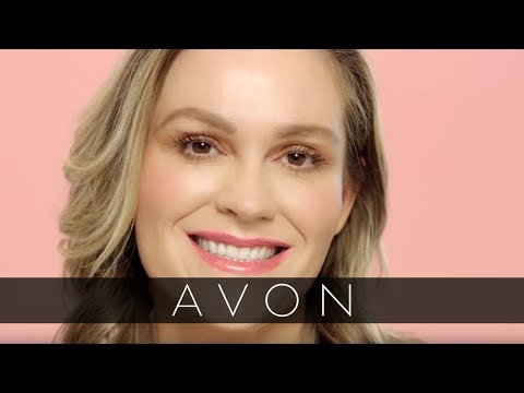 Make Thin Lips Look Fuller with True Color Lip Glow | Avon