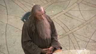 Sir Ian McKellen (Gandalf) falls asleep on the Hobbit set