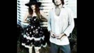 Angus & Julia Stone - Soldier (With Lyrics)