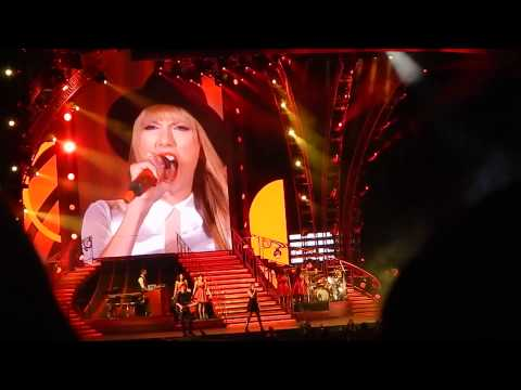 State Of Grace & Holy Ground - Taylor Swift (Live) Chicago, 8/10/13